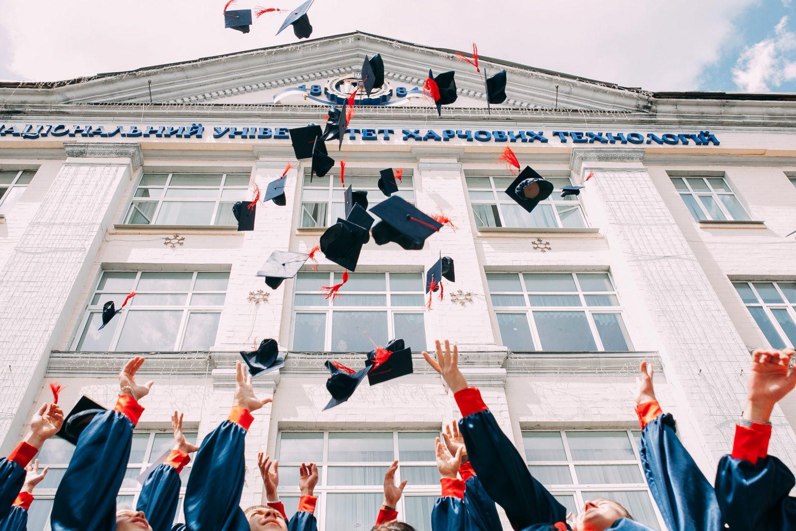 graduacion birretes